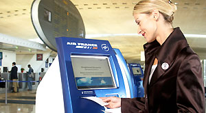 Air France and Allianz offer travellers the first-ever online safe deposit system: Allianz Protect