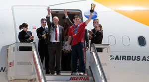 World football champions arrive in Madrid